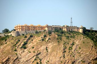 car rental for jaipur sightseeing