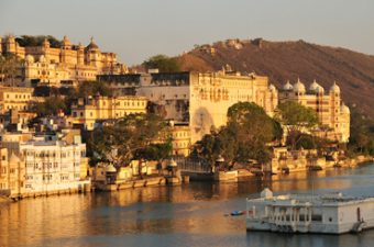Jaipur to Udaipur, Jaipur to Lake City by Taxi, B & T travels, JaipurDelshicab, taxi service in jaipur, Top Class Taxi in Jaipur, best car rental service in jaipur, sightseeing jaipur car rental, Lowest car rental jaipur, car hire for jaipur, local car hire in jaipur, luxury cars in jaipur